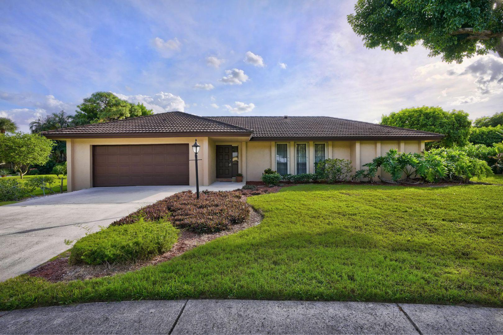 Home for sale in WOOD HILL ESTATES Palm Beach Gardens Florida