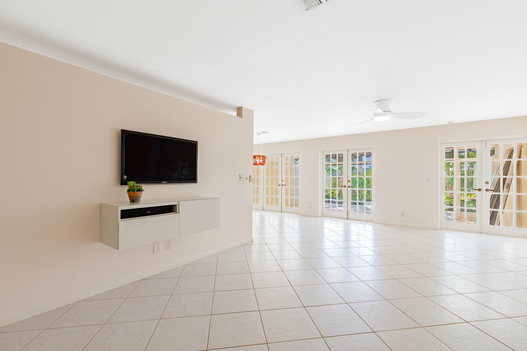 126 Harbor Circle Delray Beach, FL 33483 photo 3