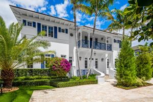1041  Seaspray Avenue , Delray Beach FL 33483 is listed for sale as MLS Listing RX-10580751 photo #5