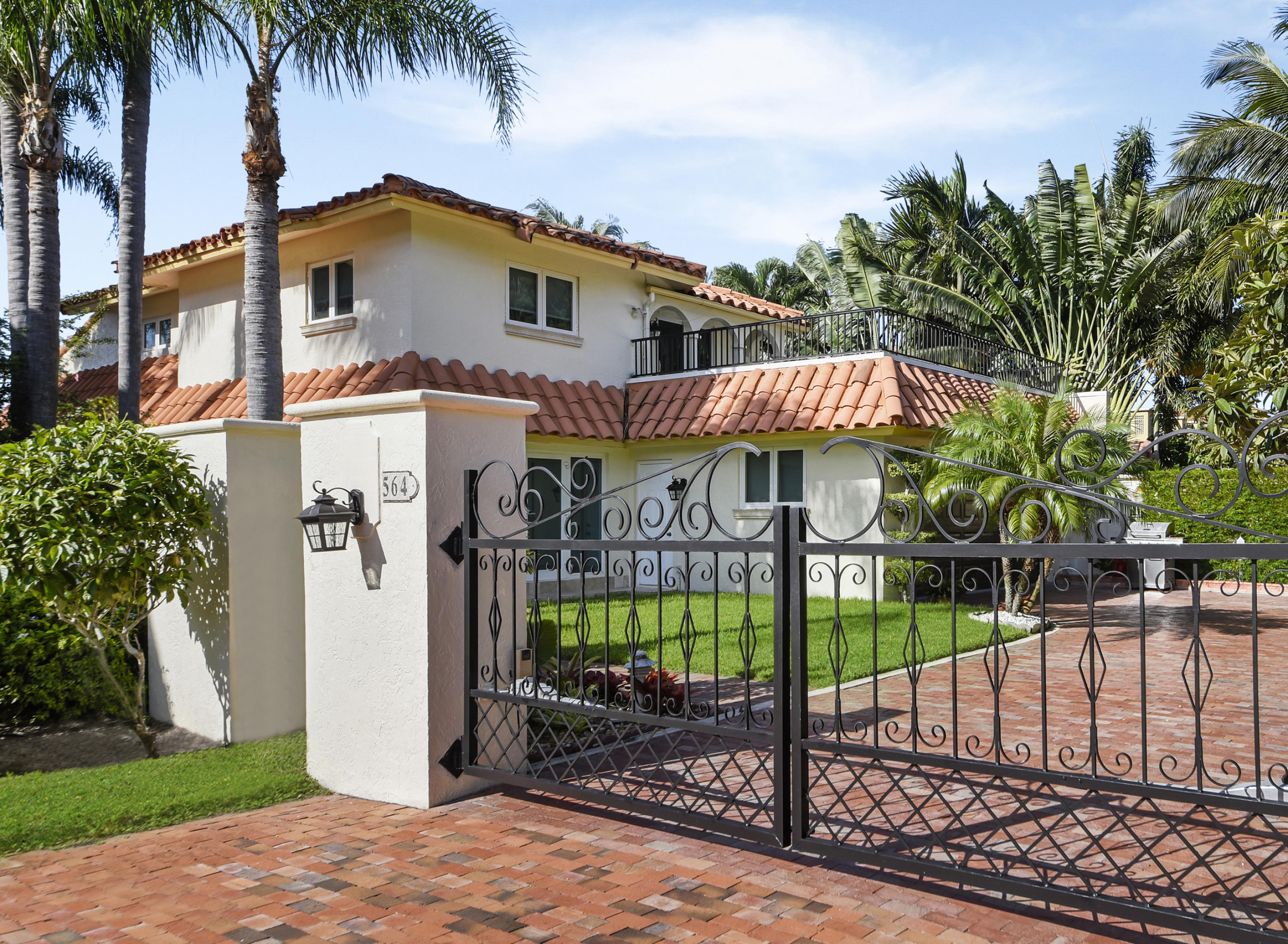 564 Admirals Way  Delray Beach, FL 33483