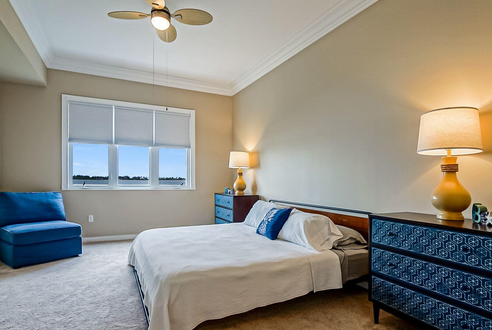 HARBOUR ISLE AT HUTCHINSON ISLAND WEST (OR 2388-2954) UNIT 302 BLDG 21 (OR 4034-882)