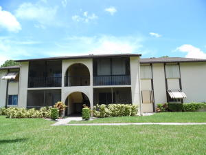 5773 La Paseos Drive B-1 , Greenacres FL 33463 is listed for sale as MLS Listing RX-10579367 15 photos
