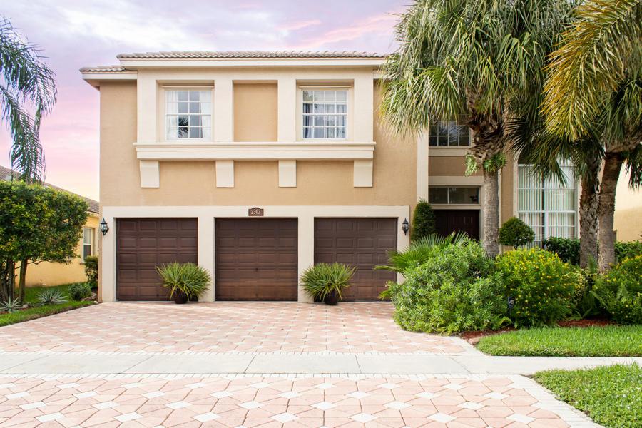 2302 Ridgewood Circle  Royal Palm Beach FL 33411