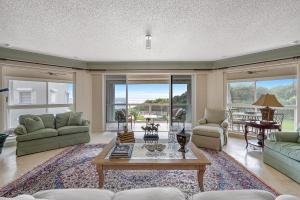6665 N Ocean Boulevard B2 For Sale 10576062, FL