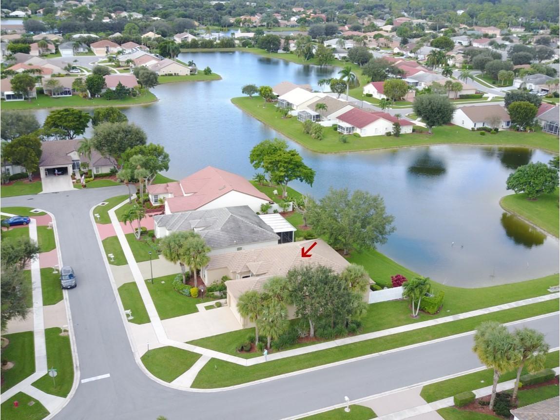 8361 Winter Springs Lane Lake Worth, FL 33467 photo 2
