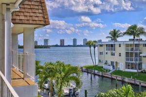 110  Shore Court 307 For Sale 10580724, FL