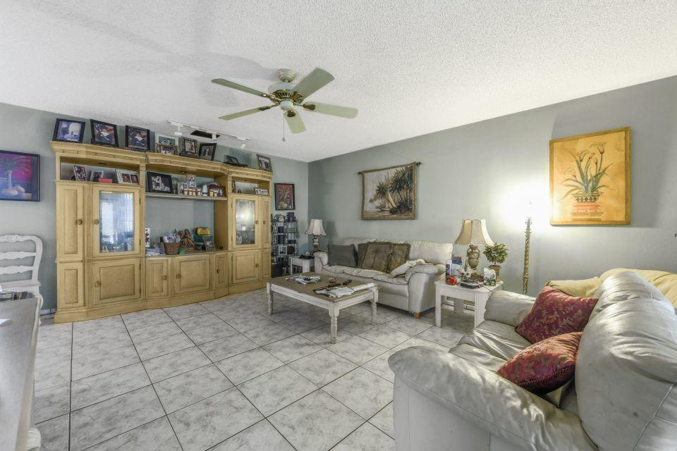 145 Lake Gloria Drive West Palm Beach, FL 33411 photo 4