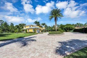 8123  159th Court  For Sale 10580501, FL