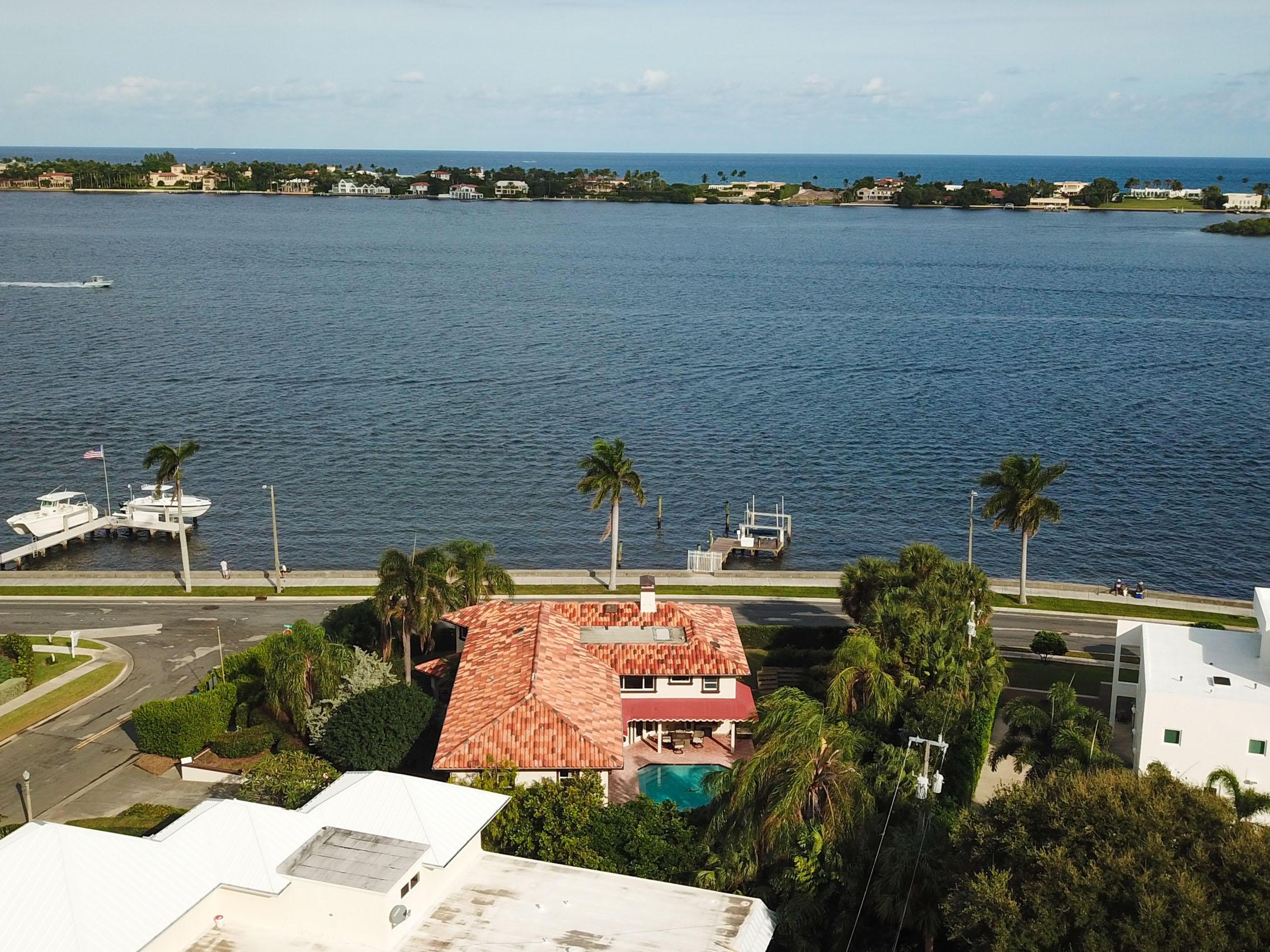 108 Bloomfield Drive West Palm Beach, FL 33405 photo 3
