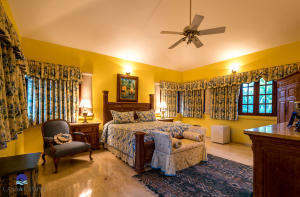 10  Barranca Este  ,  FL 22000 is listed for sale as MLS Listing RX-10580753 photo #22