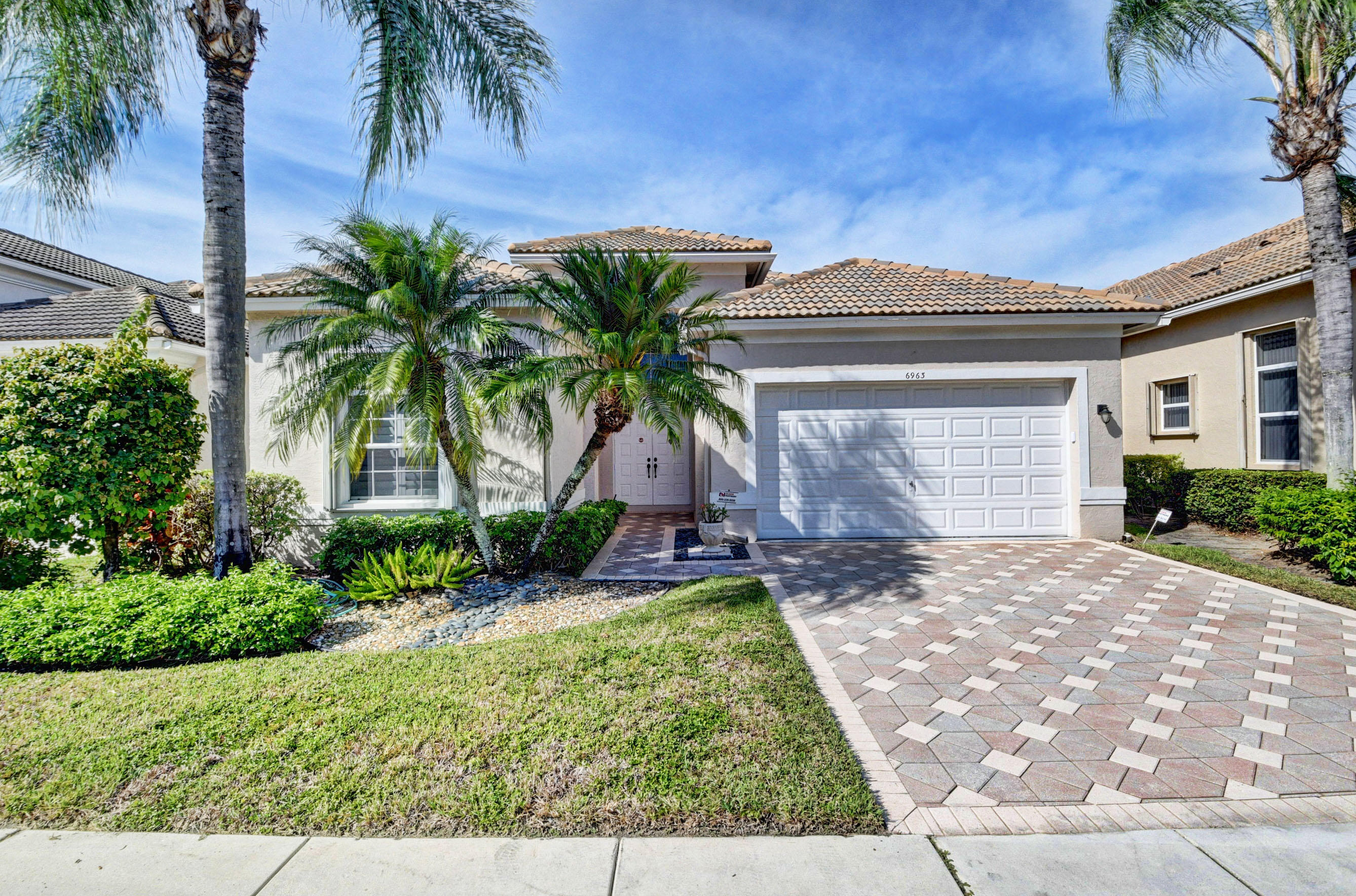 Home for sale in Aberdeen/turnberry Boynton Beach Florida