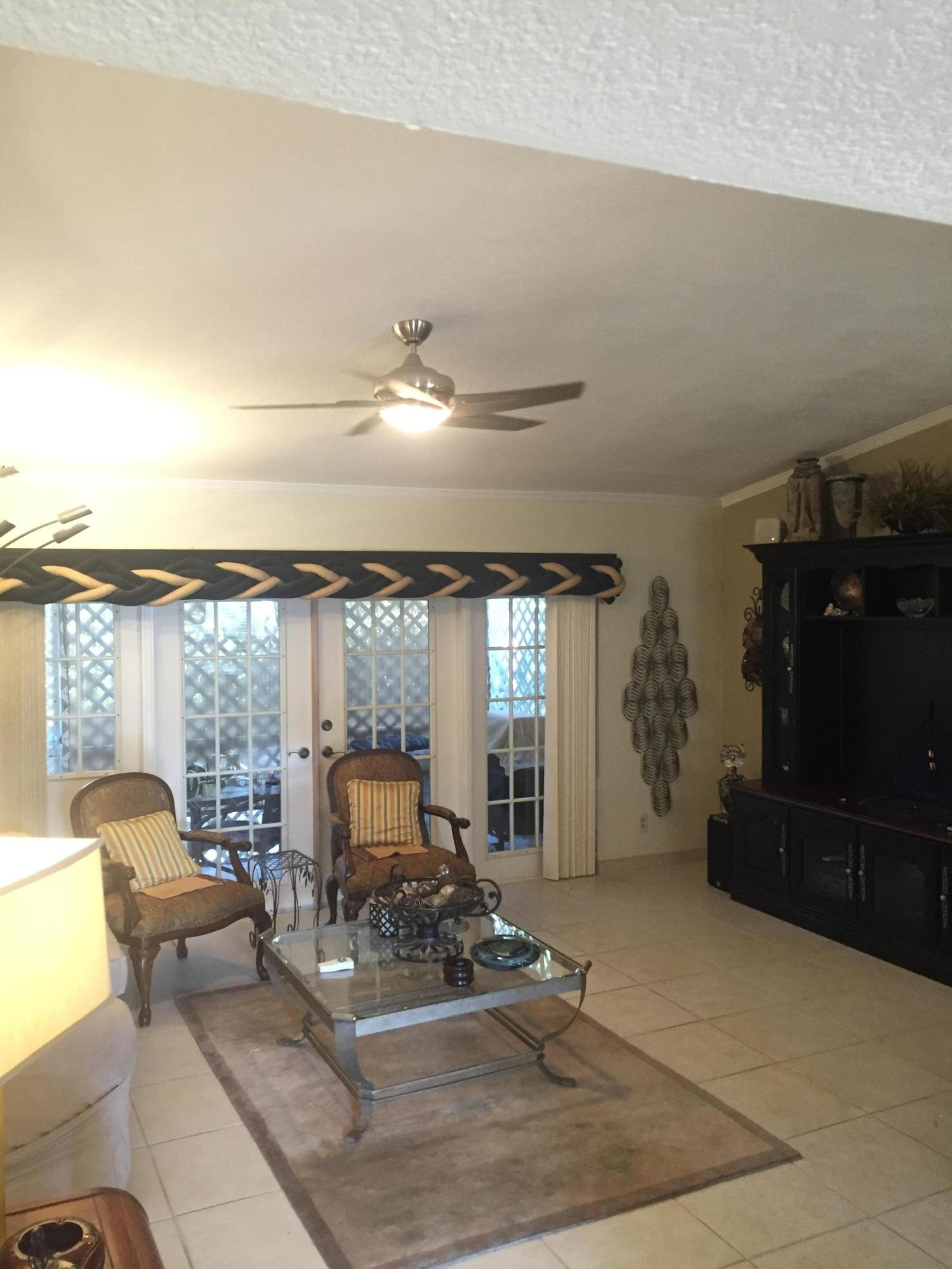 31 Knightsbridge Lane Boynton Beach, FL 33426