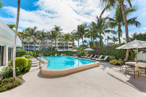 300 S Ocean Boulevard 2d, Palm Beach FL 33480 is listed for sale as MLS Listing RX-10581358 photo #8