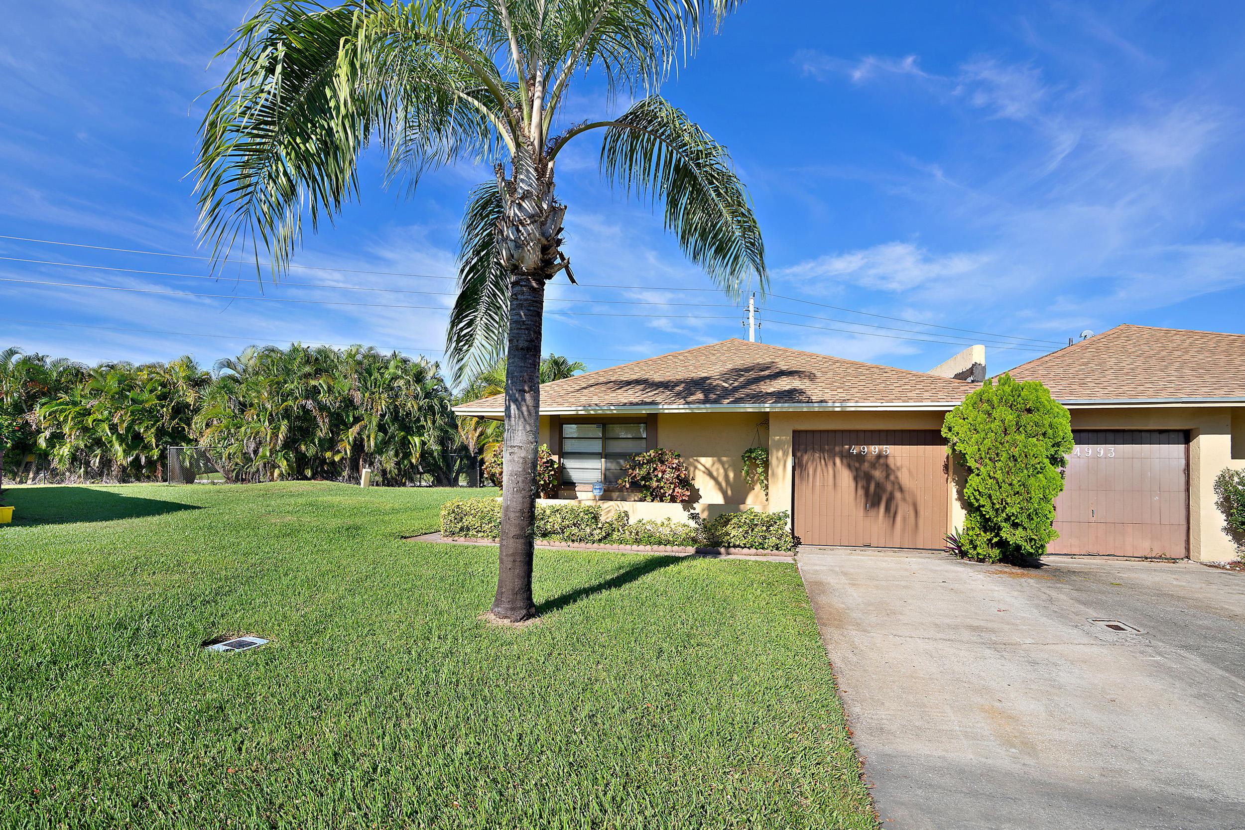 4995 Regina Court 8a West Palm Beach, FL 33415