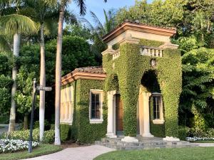 238  Via Las Brisas  , Palm Beach FL 33480 is listed for sale as MLS Listing RX-10581446 photo #4