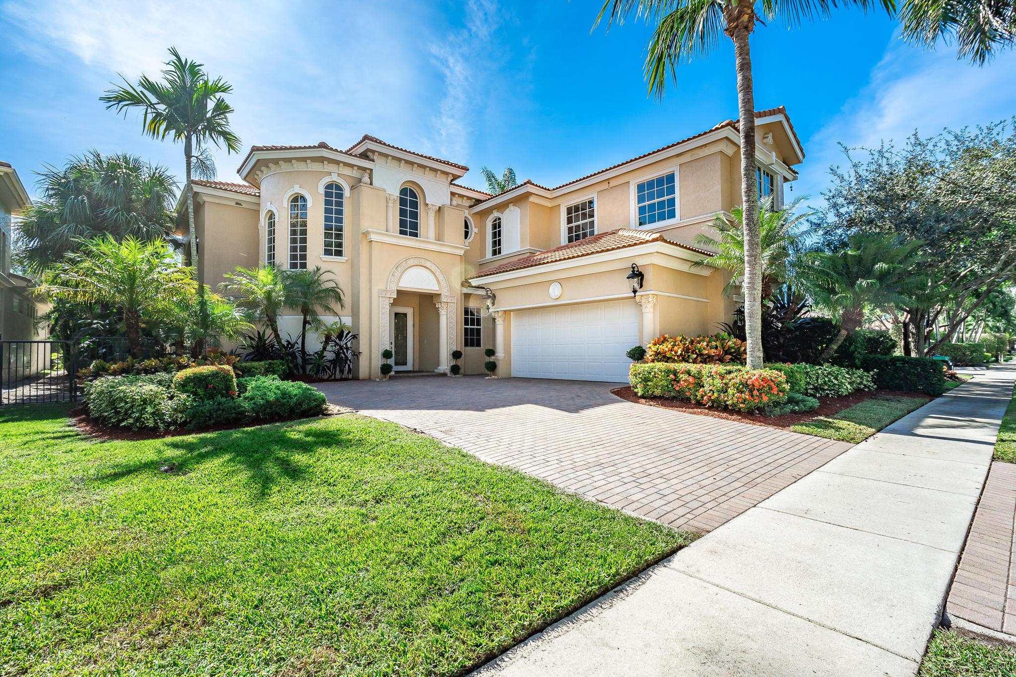8192 Valhalla Drive Drive  Delray Beach, FL 33446