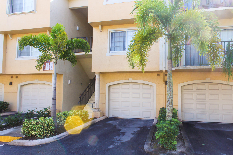 300 Crestwood Court, 312 - Royal Palm Beach, Florida
