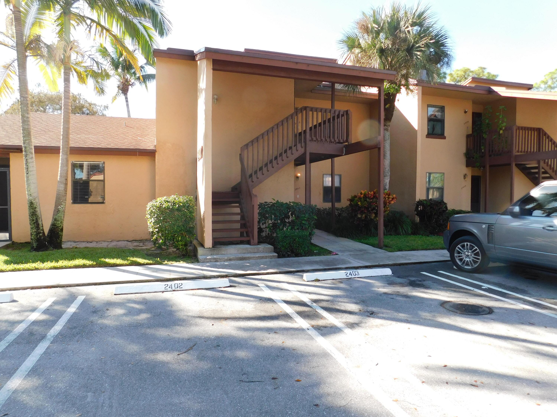 2402 Lakeview Circle Royal Palm Beach, FL 33411