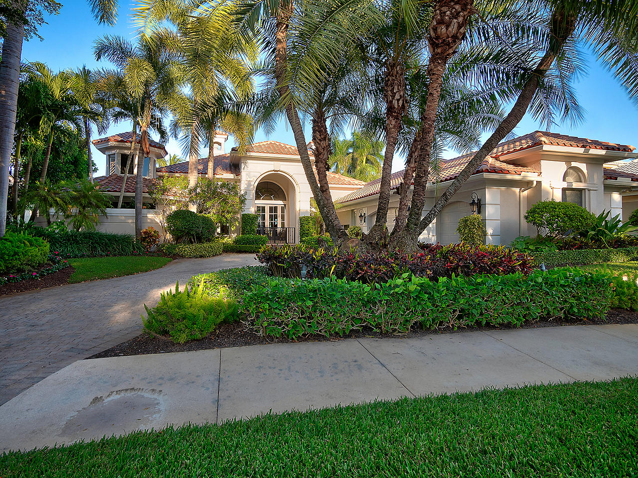 Home for sale in Estates Of Saint Thomas Palm Beach Gardens Florida
