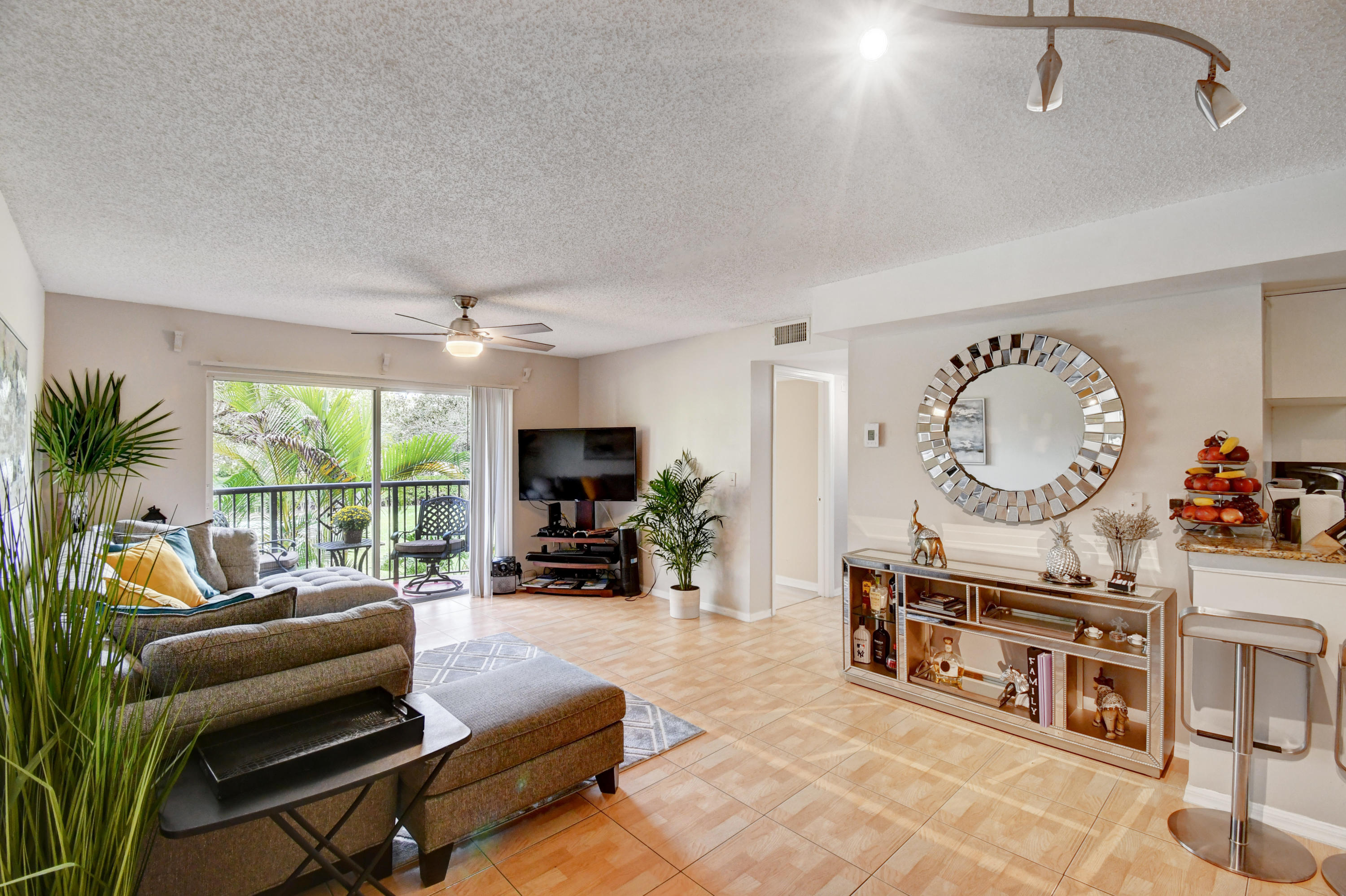 400 N Crestwood Court 415 Royal Palm Beach, FL 33411 photo 5