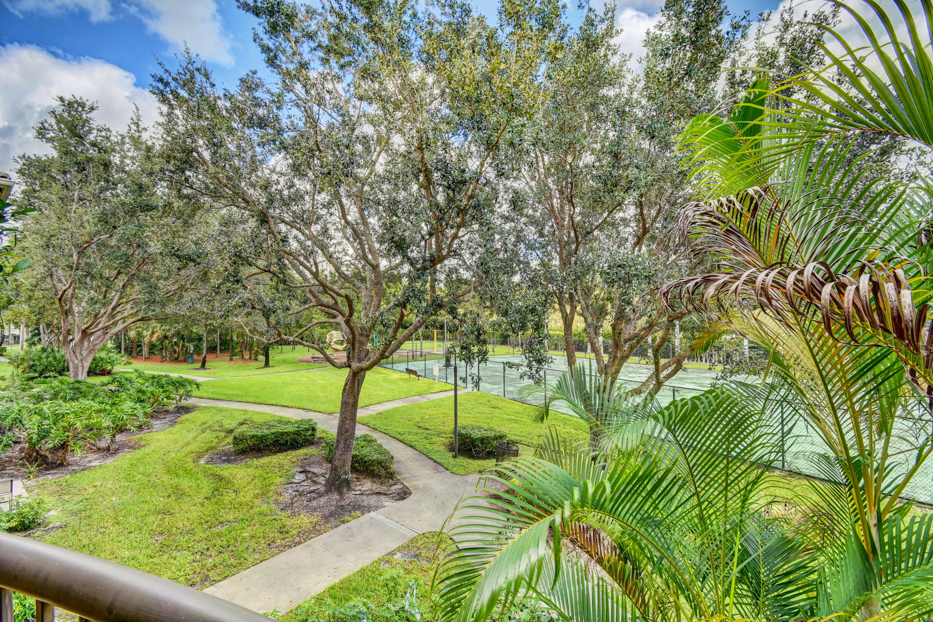 400 N Crestwood Court 415 Royal Palm Beach, FL 33411 photo 8