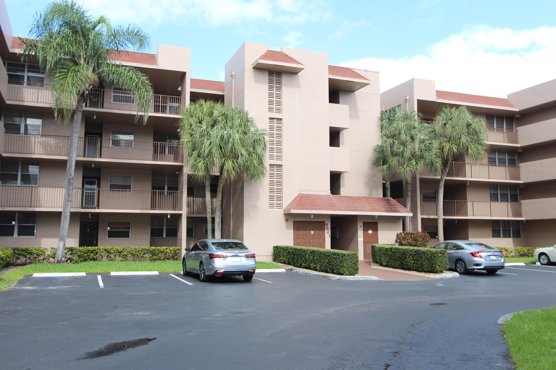 Home for sale in Pine Island Ridge Davie Florida