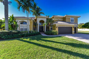 21705  Fall River Drive  For Sale 10583139, FL