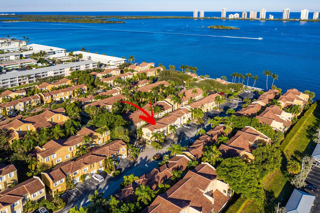 1035 Lake Shore Drive, 203 - Lake Park, Florida