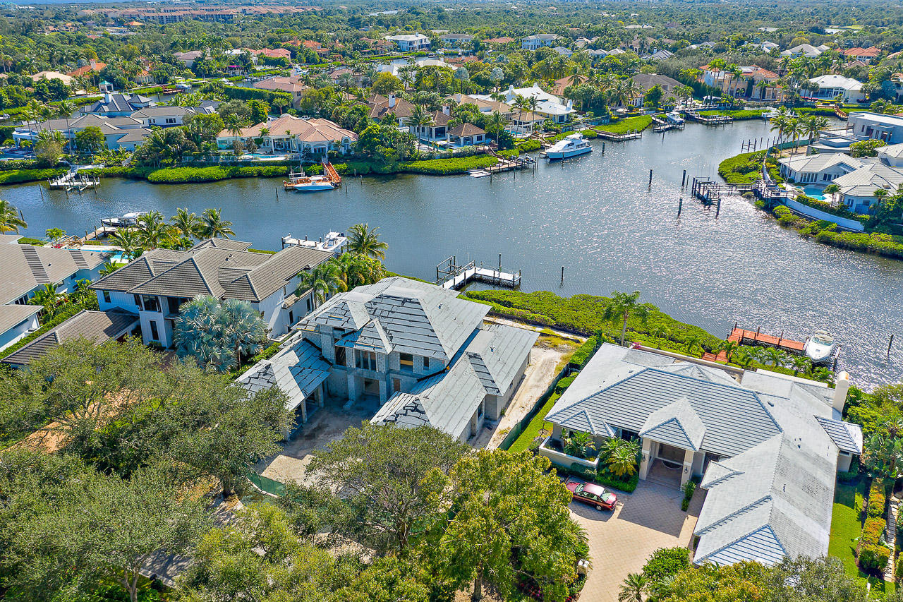 171  Commodore Drive , Jupiter FL 33477 is listed for sale as MLS Listing RX-10566481 photo #4