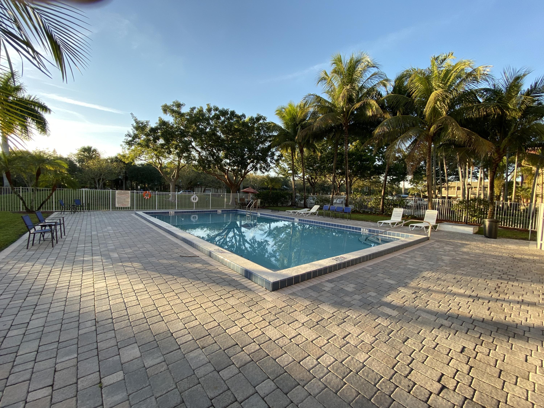 120 Sparrow Drive 302 Royal Palm Beach, FL 33411