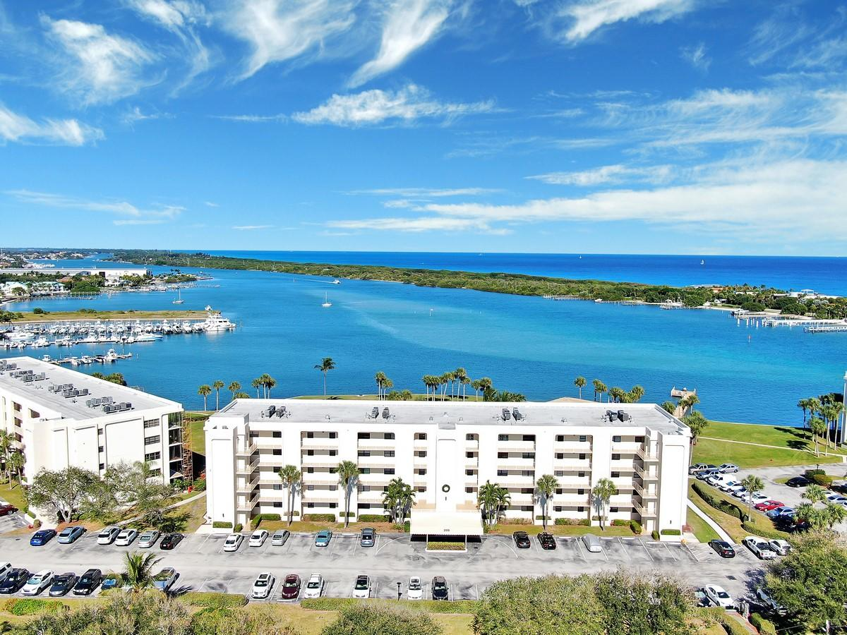 New Home for sale at 200 Intracoastal Place in Tequesta