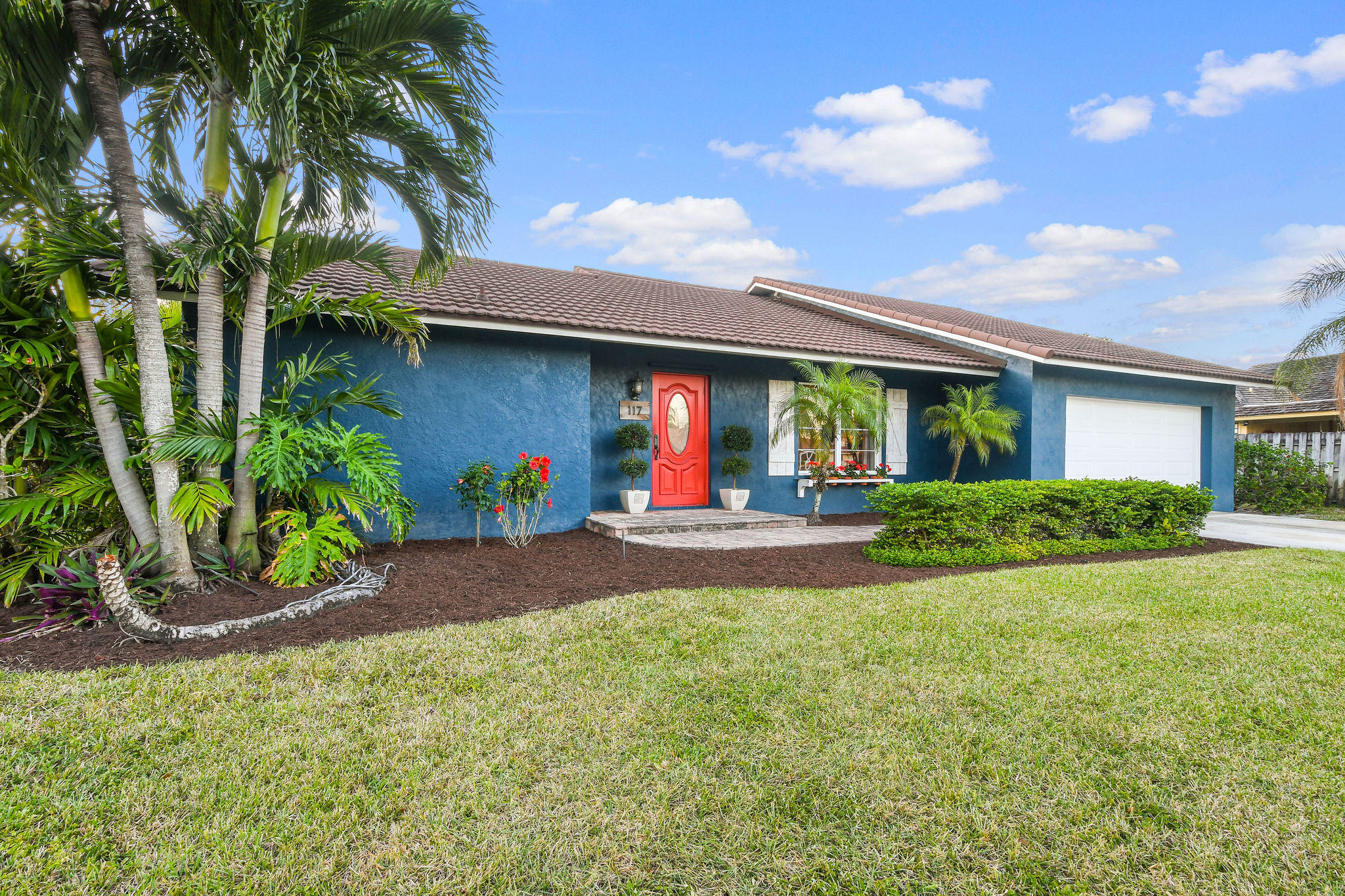 117 Pinehill Trail - Tequesta, Florida