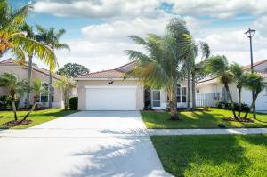 Great luxury Home for, 3 bedrooms 2 baths. Full house generator, water softener are some of the extras in this home. Backyard has an abundance of fruit and vegetable trees.Kitchen and bathrooms have granite countertops. Master has double sink, shower and tub. Stove and A/C brand new