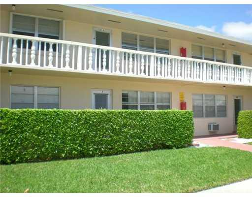 Photo of 18 Hastings B ##, West Palm Beach, FL 33417