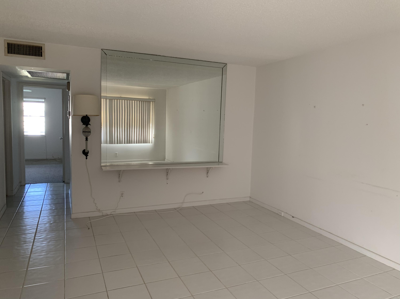 311 Fanshaw, Boca Raton, Florida 33434, 2 Bedrooms Bedrooms, ,1 BathroomBathrooms,Rental,For Rent,Fanshaw,RX-10584138