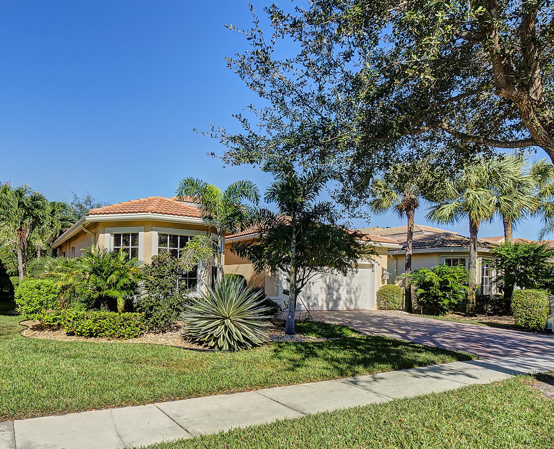 Home for sale in VALENCIA PALMS 4 Delray Beach Florida