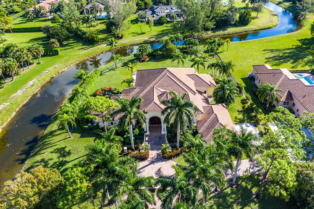 8792 Steeplechase Drive Palm Beach Gardens, FL 33418