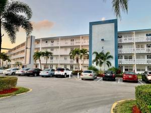 4053  Exeter C   For Sale 10584488, FL