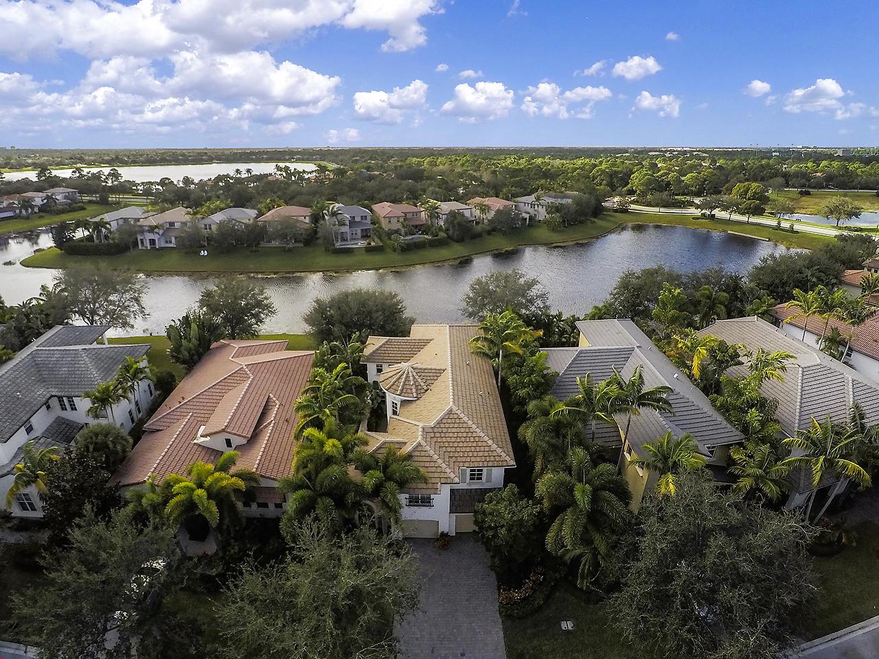 Photo of 834 Madison Court, Palm Beach Gardens, FL 33410