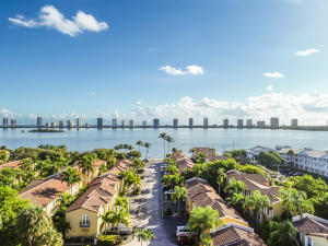 1030  Lake Shore Drive 202 For Sale 10585839, FL