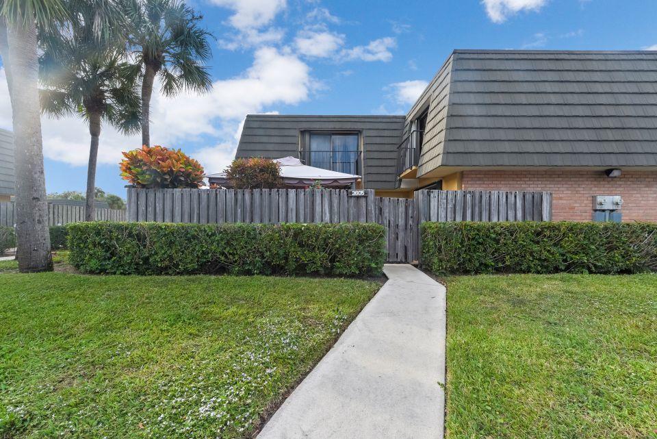 3605 36th Way  West Palm Beach, FL 33407