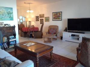 South Palm Beach Villas Condo