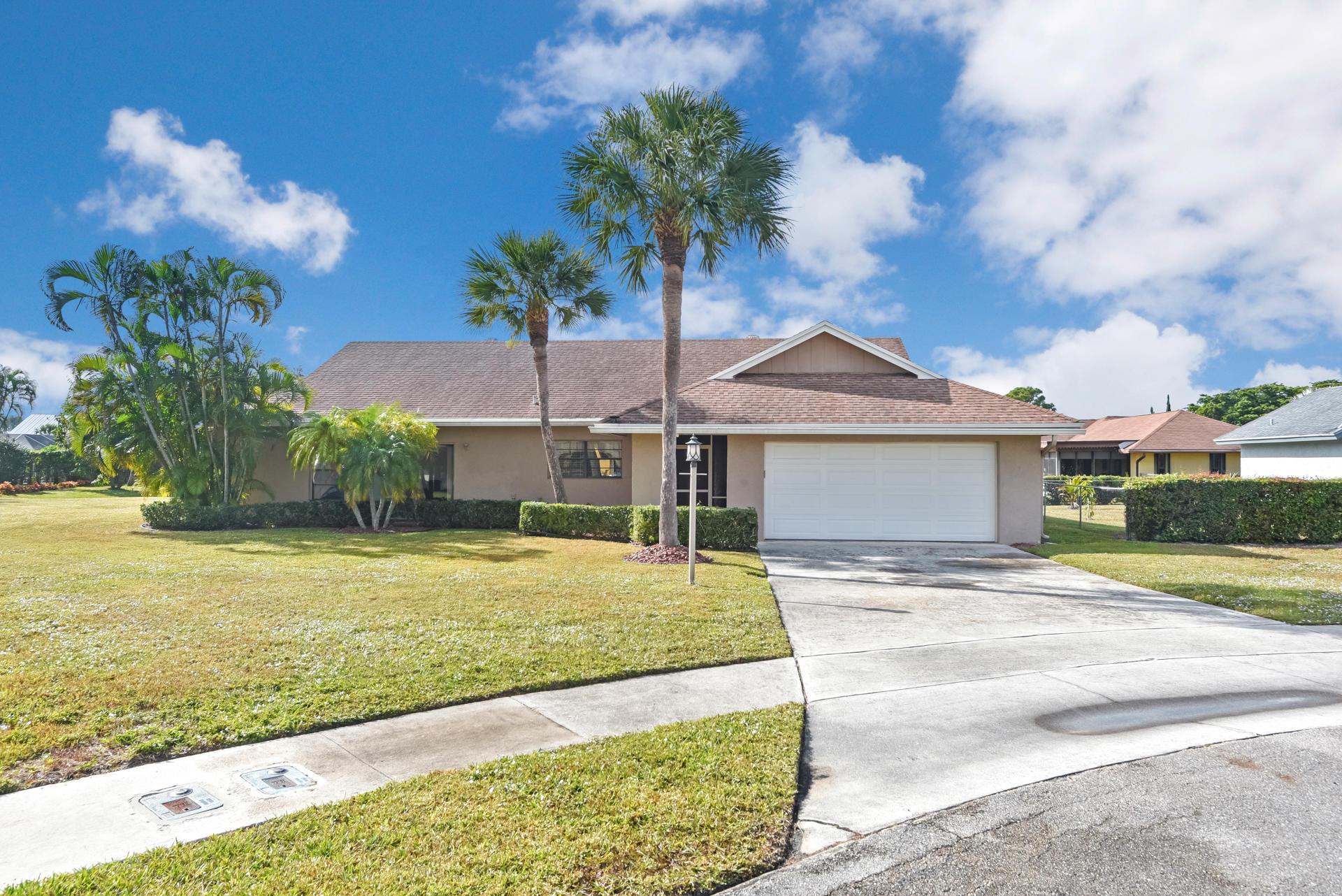 8220 Whitewood Cove East Lake Worth, FL 33467
