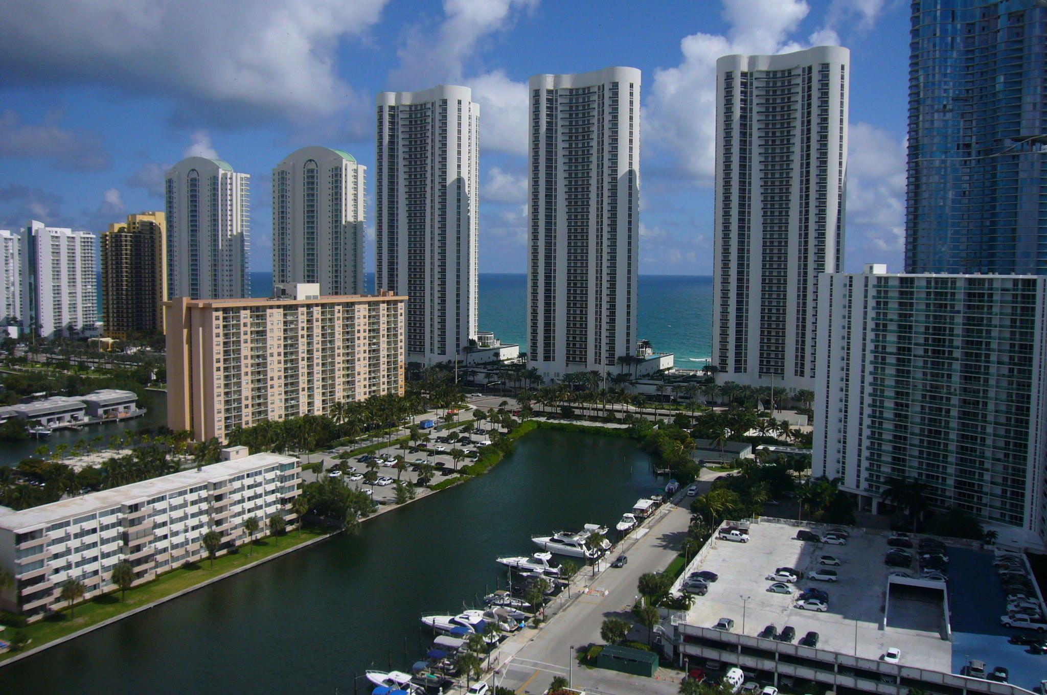 300 Bayview Drive Ph09 Sunny Isles Beach, FL 33160 Sunny Isles Beach FL 33160