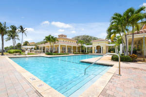 1015  Lake Shore Drive 103 For Sale 10585929, FL