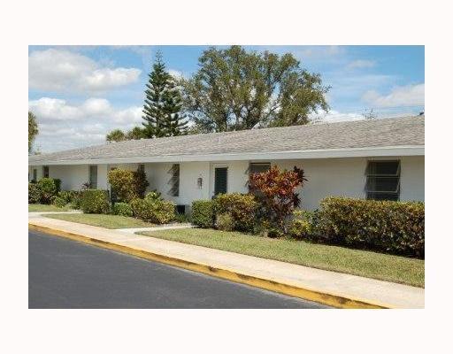 74 East Court Royal Palm Beach, FL 33411