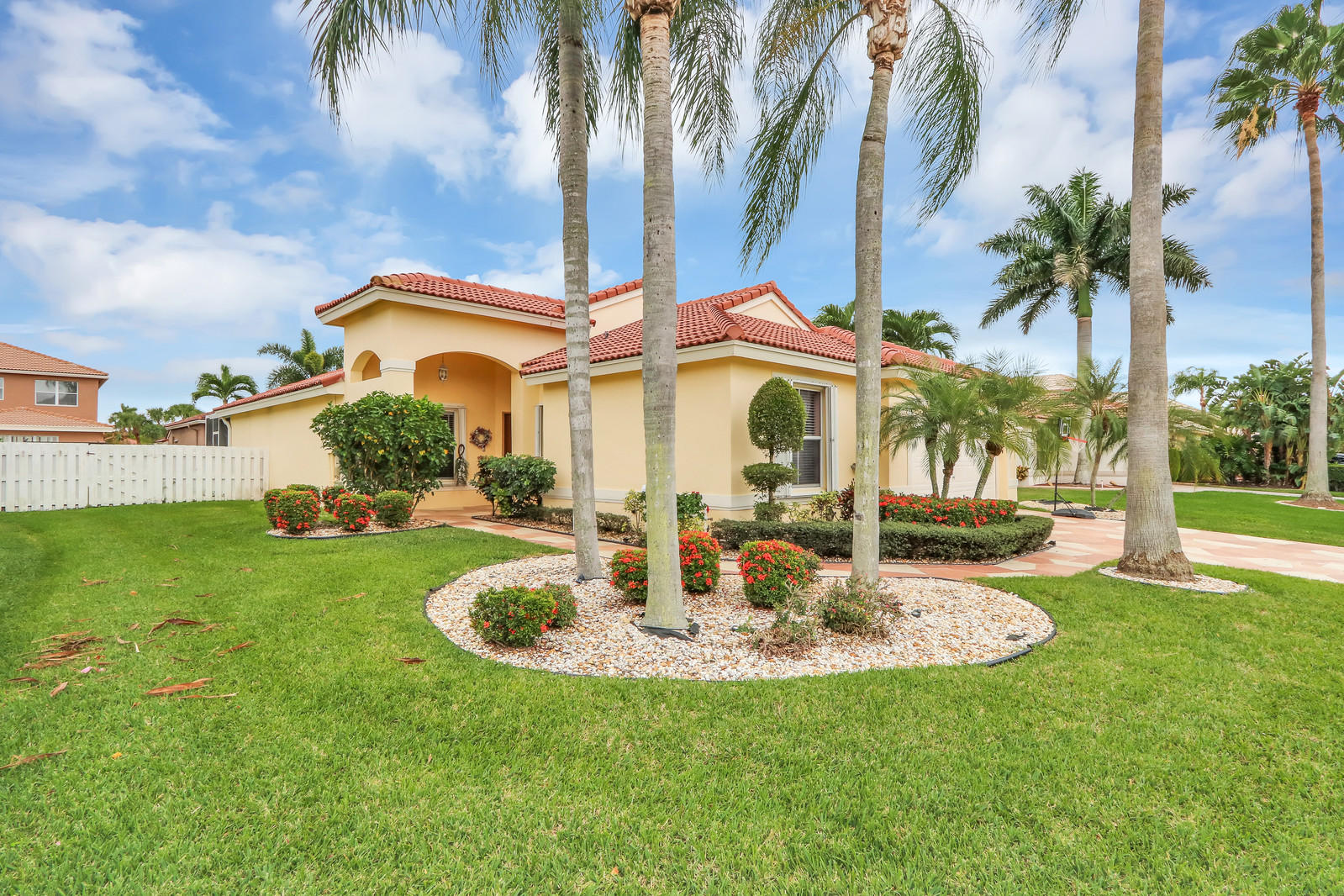 6096 Royal Birkdale Drive Lake Worth, FL 33463 photo 2