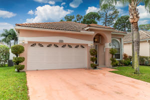 Great Family neighborhood!  Great condition on a single story 3/2 with fenced yard and screened patio.  Low HOA that includes cable, pool, club house and tennis courts.  Interior and Exterior home recently painted.  You wont be disappointed.