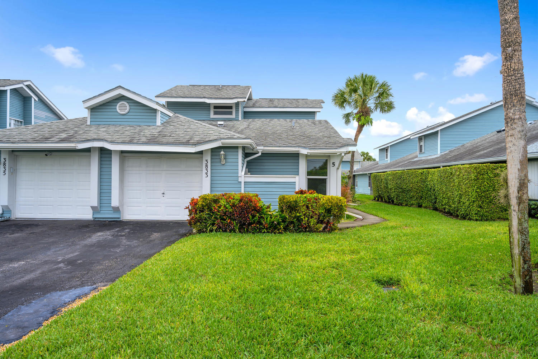 3833 Island Club Circle Lake Worth, FL 33462