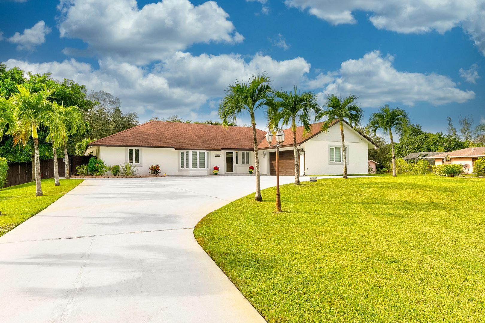 Home for sale in Pine Tree Estates Parkland Florida
